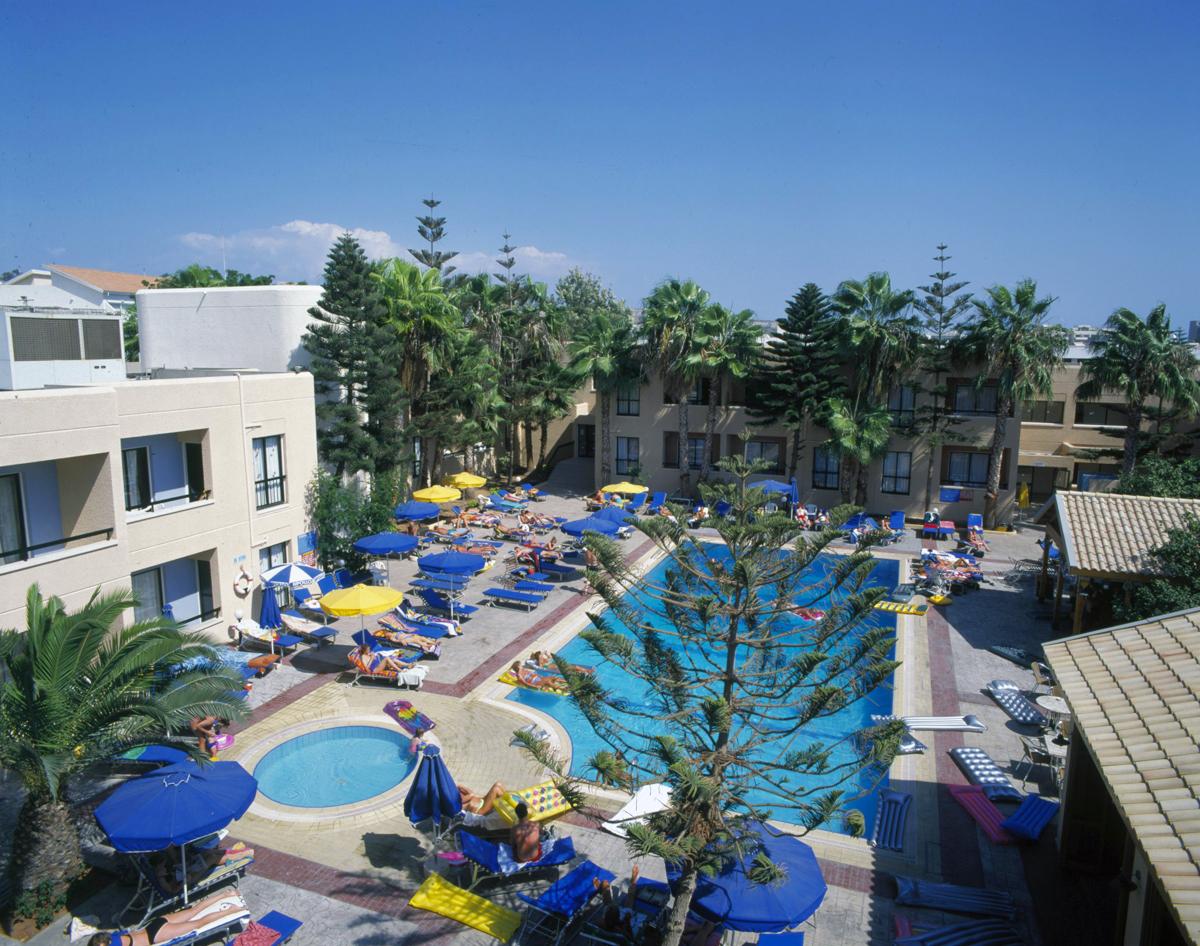 Цветущий в мае Кипр прекрасен!