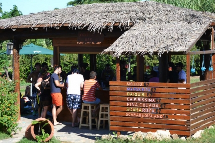 Scarabeo Beach Bar. Паралимни - Пернера
