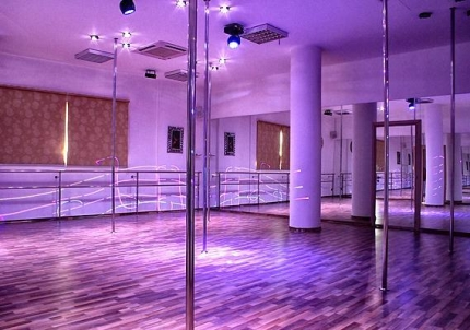 Студия танца на пилоне Pole Dance studio MooN в Лимассоле