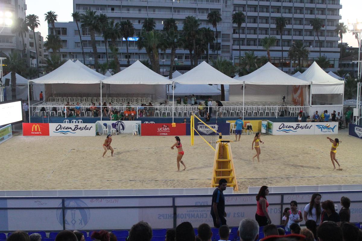 Пляжный волейбол на Кипре в Ларнаке